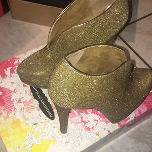 Chinese Laundry Gold Sparkle Heel